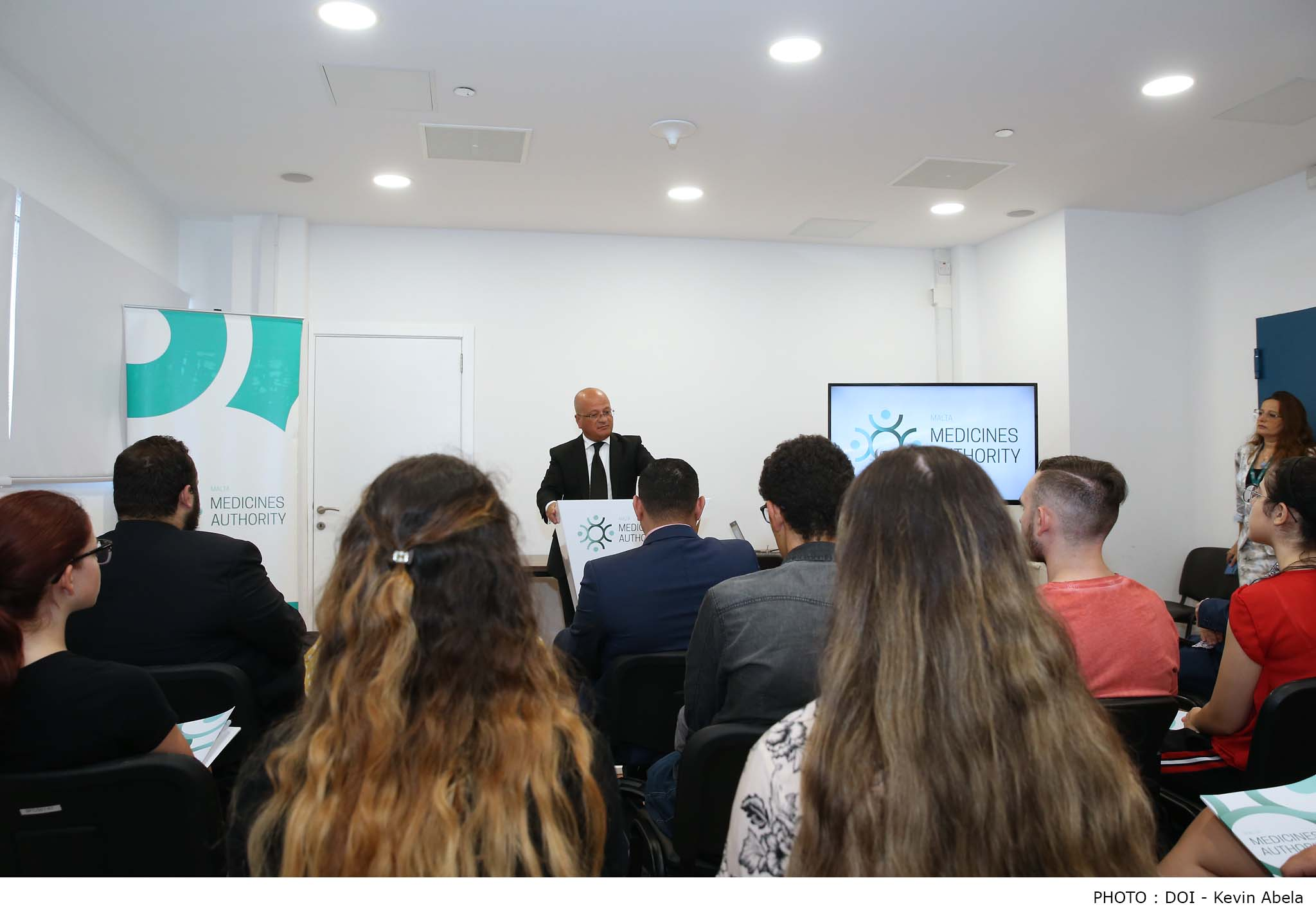 PRESS RELEASE BY THE PARLIAMENTARY SECRETARIAT FOR CONSUMER RIGHTS, PUBLIC CLEANSING AND SUPPORT FOR THE CAPITAL CITY: Parliamentary Secretary Deo Debattista addresses the Open Day for Pharmaceutical Sciences and Pharmaceutical Technologists