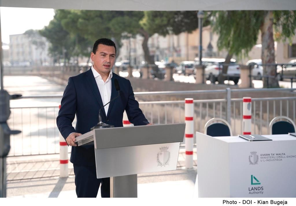 PRESS RELEASE BY THE MINISTRY FOR THE ECONOMY AND INDUSTRY, THE MINISTRY FOR THE ENVIRONMENT, CLIMATE CHANGE AND PLANNING AND THE PARLIAMENTARY SECRETARIAT FOR CITIZENSHIP AND COMMUNITIES New green lung in Qormi